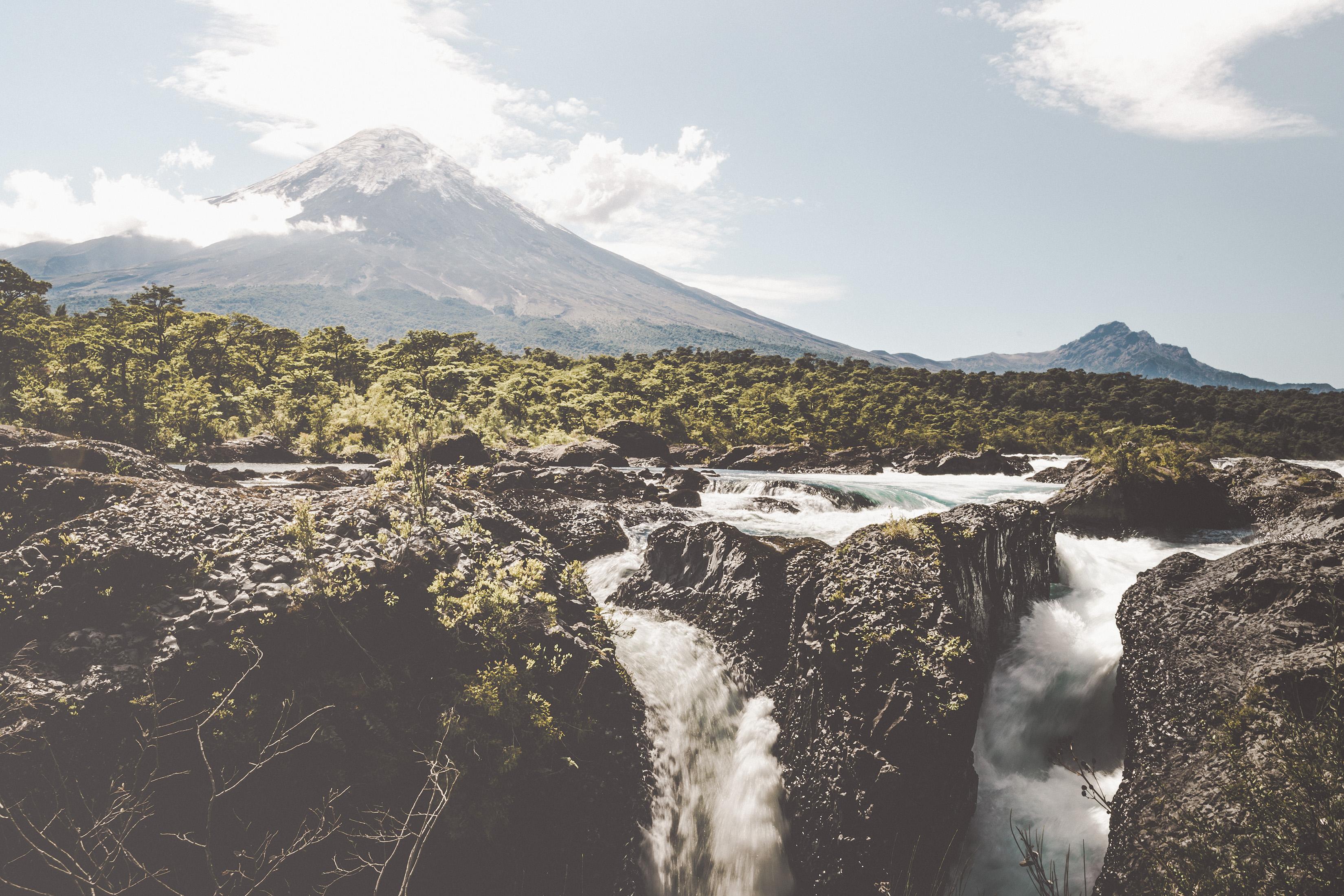 WaterfallPetrohuheVulcanoOsorno