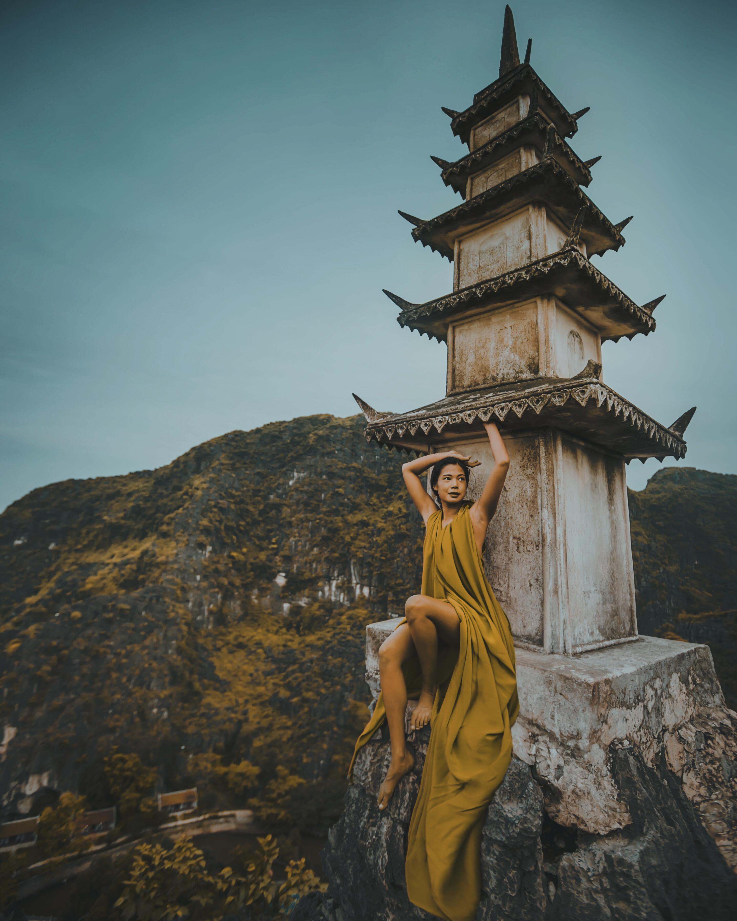 the lying dragon mountain, Ninh Binh.